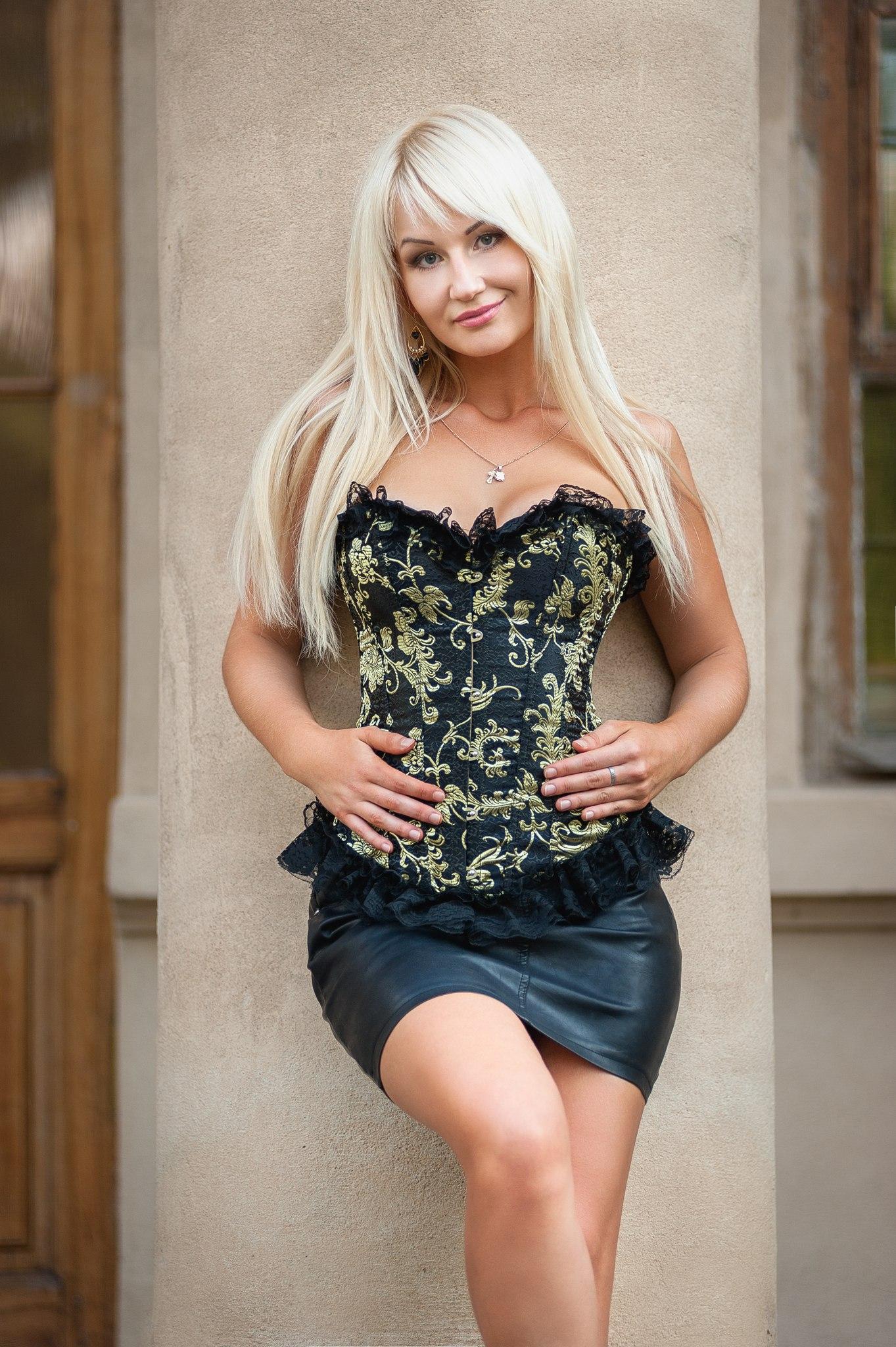 Ukraine ladies am an, shelley lubben as roxy